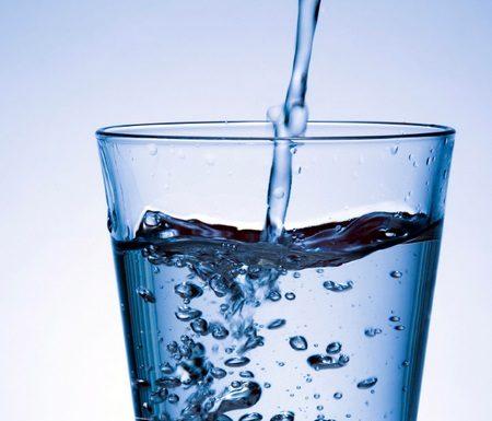 Η κοροϊδία του αλκαλικού νερού.