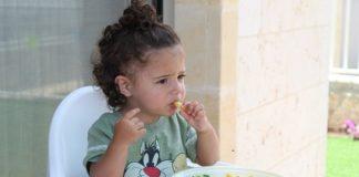 {ως να μάθει το παιδί σας να τρώει σωστά