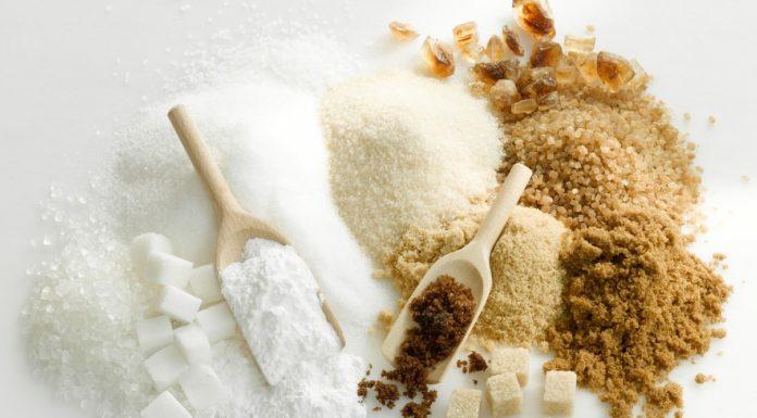 Από την επεξεργασία του ζαχαρότευτλου παίρνουμε 3 τύπους ζάχαρης τη λευκή κρυσταλλική, την καστανή και την μαύρη.