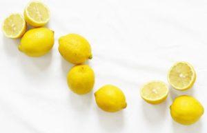 Εννιά πράγματα που μπορείς να κάνεις με το λεμόνι και σίγουρα ένα που δεν μπορείς.
