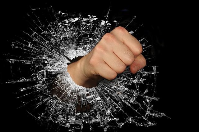 Τον θυμό, τον χειρίζεσαι ή σε χειρίζεται;
