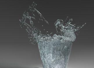 πως να βάλετε πιο πολύ νερό στη καθημερινότητά σας