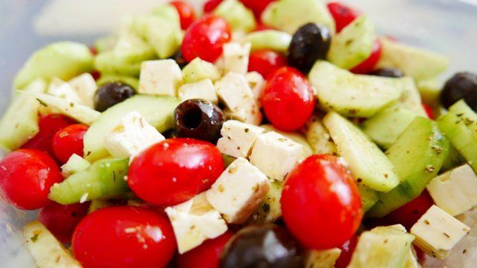πως να καταλάβουμε ότι ξεφεύγουμε από τη Μεσογειακή Διατροφή